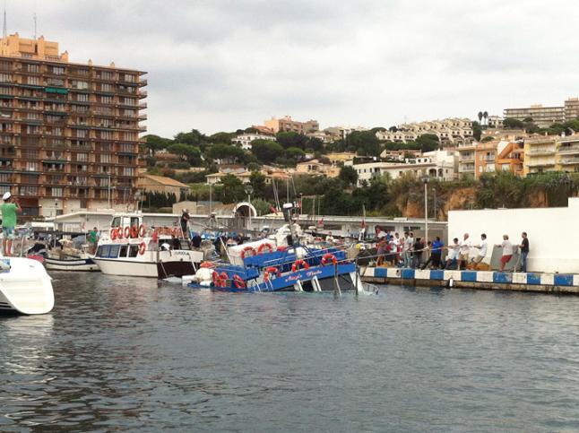 Stella Maris II s'esfonsa al port de Sant Feliu de Guíxols