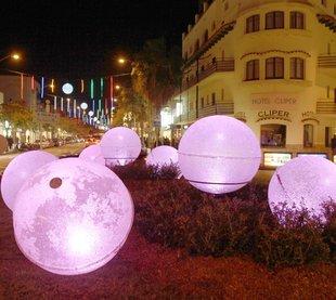 La campanya nadalenca arrenca amb l'encesa de llums