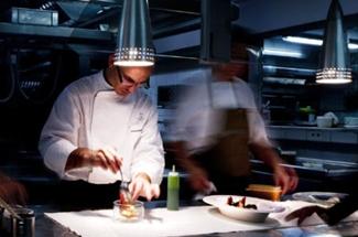 El cuiner ganxó Marc Gascons, dels Tinars, millor cuiner jove de l´any
