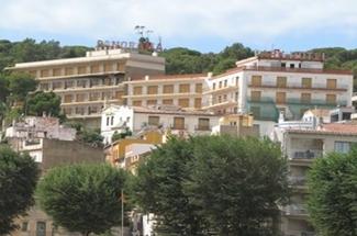 Sant Feliu fa lloc per a quatre grans hotels dins del POUM