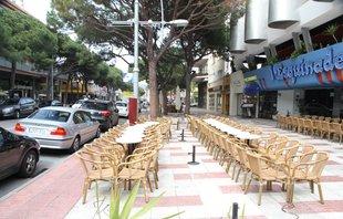 Platja d'Aro té a punt el pla per ampliar terrasses de bars sobre zones blaves
