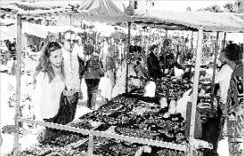 Platja d´Aro celebra el Mercat de Primavera d´articles artesans
