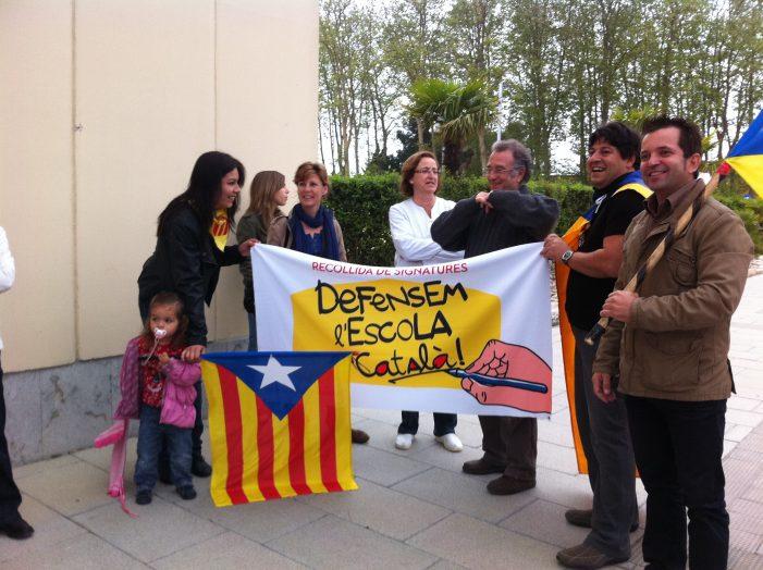 Manifestació de la plataforma Defensem L'Escola en Català a Santa Cristina d´Aro