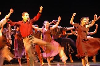 PORTA FERRADA 2012 DAD.EXE una revisió de la música i la dansa tradicionals
