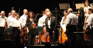Mehta il·lumina el 50è aniversari de Porta Ferrada
