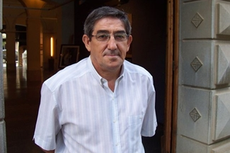 José Luis Mayo, signa un manifest contra els desnonaments