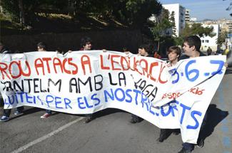 Els estudiants dels Instituts de Sant Feliu es movilitzen contra la llei Wert i pels drets dels estudiants