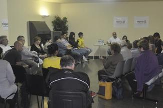 El Grup Opina-S reuniex més de 30 persones al Centre Cívic de Vilartagues a la xerrada amb Núria Parlón