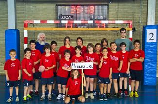 l´Escola d´Handbol CEIP l´Estació, participa a la 6a trobada de Mini Handbol de Torroella de Montgrí