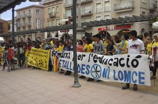 Èxit de la manifestació per l´educació a Sant Feliu de Guíxols