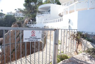 Sant Feliu urgeix que s'arregli el camí de ronda al Club de Mar