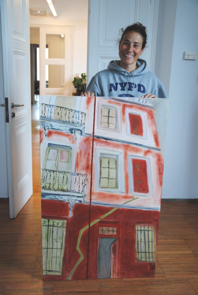 L'artista plàstica Susana Sentís dóna un quadre a la ciutat de Sant Feliu de Guíxols