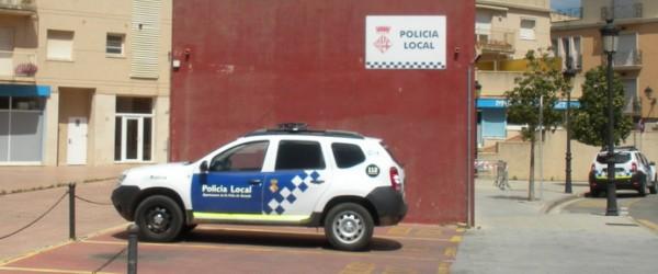 Amenaça i colpeja policies davant d'un 'pub' a Sant Feliu