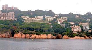 Edifiquen a Sant Feliu un aparthotel de luxe a primera línia de mar