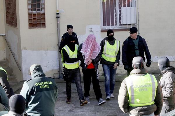 El jove detingut a Sant Feliu va mostrar un cartell progihadisme
