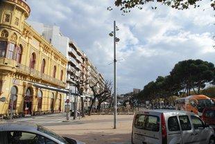 Tres alternatives per al pàrquing sota el passeig dels Guíxols, a Sant Feliu