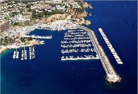 Ports projecta la protecció de l´escullera del port de Sant Feliu