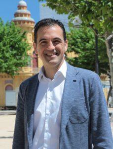 Sant Feliu de Guíxols. El cap de llista de TSF, alcaldable exalcalde i candidat a alcalde, Carles Motas, al passeig del Mar. Tots per Sant Feliu