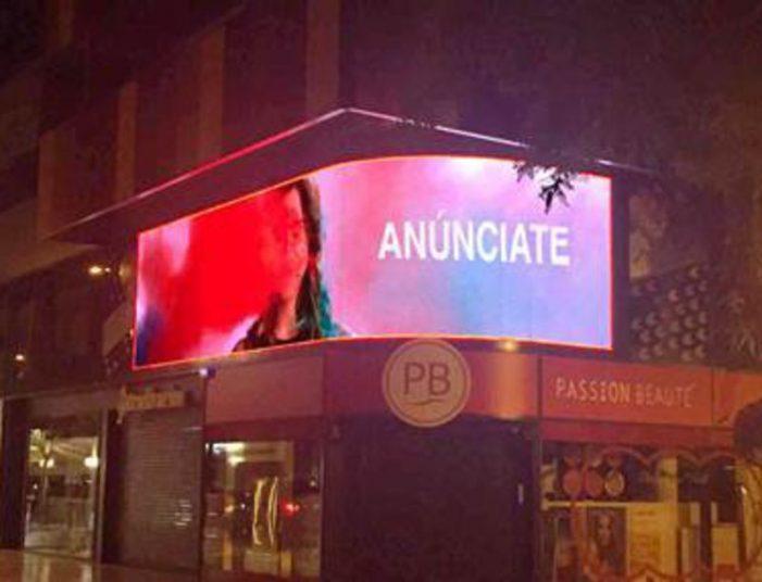 Publicitat LED pionera a Platja d'Aro