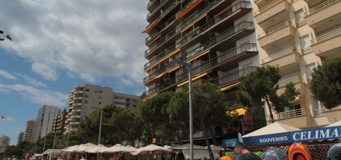 Platja d'Aro recull dades per legalitzar finques al passeig