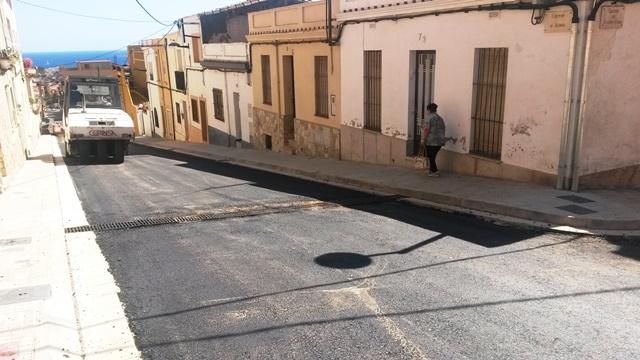 Asfaltat dels carrers Iris i Aden
