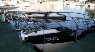 Les flames cremen i enfonsen tres embarcacions al port de Platja d´Aro