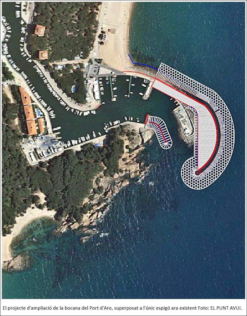 El projecte d'ampliació de la bocana del Port d'Aro, superposat a l'únic espigó ara existent
