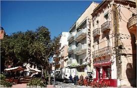 L´enderroc dels hotels Rex i Les Noies de Sant Feliu arrenca avui