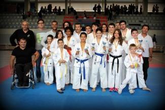 El Campionat Sant Feliu-Costa Brava de karate omple el pavelló de La Corxera