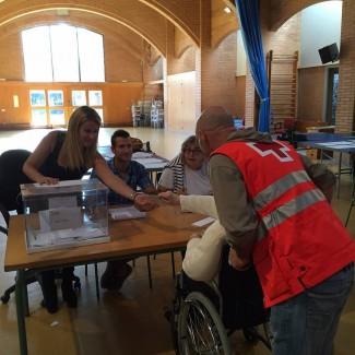 La Creu Roja acompanyarà a votar persones amb problemes de mobilitat el 20D