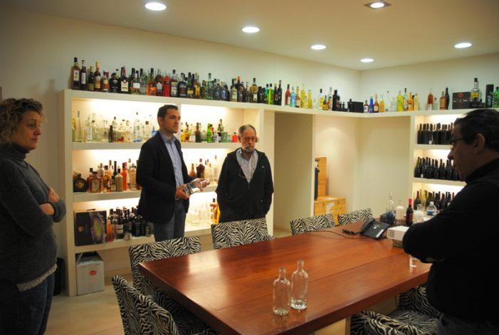 L'alcalde visita Estal Packaging, una empresa local líder en solucions d'envasos de vidre