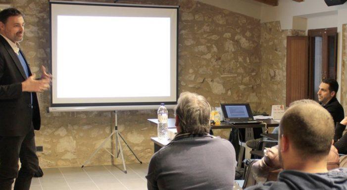 Els usos del centre cívic de Castell d'Aro, a consulta