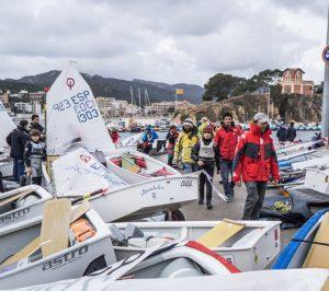 Vela. 300 regatistes participen a la I Guíxols Cup en el Club Nàutic Sant Feliu