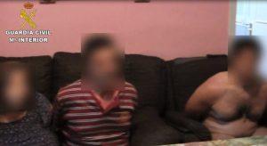 Els detinguts a Sant Feliu de Guíxols per la mort a Arroyomolinos d'un empresari de 64 anys. La víctima es deia Juan Fernández.  Foto: Guardia Civil