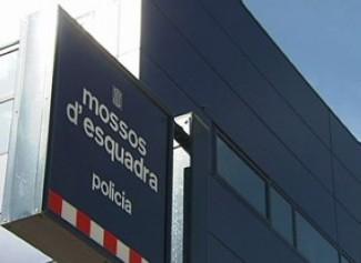 Detingut a Sant Feliu un calongí acusat de saquejar deu habitatges