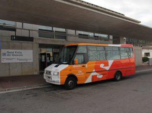 Sant Feliu de Guíxols. Baix Empordà. Estació d'autobusos. Microbus de la Sarfa autobus