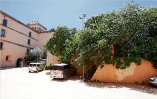 Sant Feliu compra 444 m2 per completar el claustre del Monestir