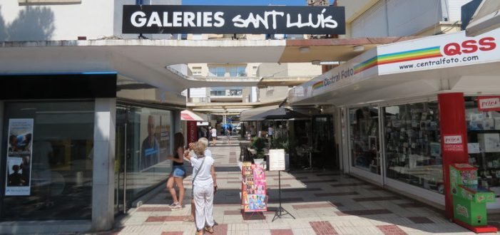 Volen dignificar les galeries comercials de Platja d'Aro