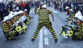 La rua de Sant Feliu de Guíxols brilla en el retorn a la carretera de Girona