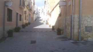 El tancament del carrer Nou del Garrofer, a l'Assemblea veïnal