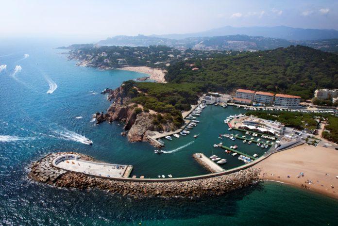 El Club Nàutic Port d'Aro insta els socis a participar en el projecte del port