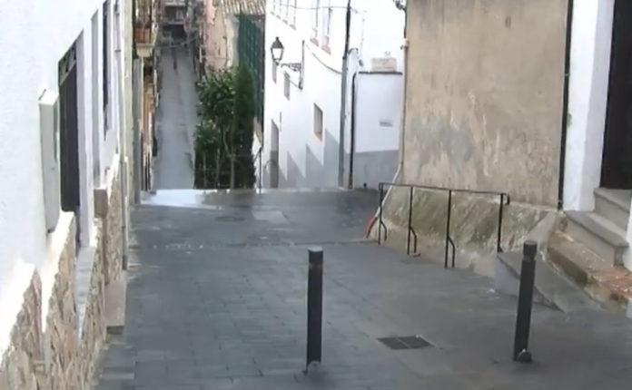 L'Ajuntament de Sant Feliu de Guíxols retira les pilones del barri del Puig