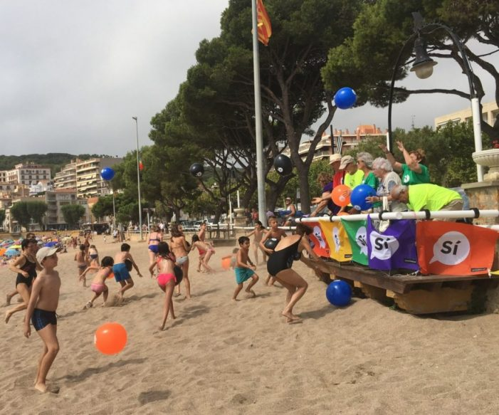 L'ANC va portar pilotes a la platja en l'últim acte de juliol