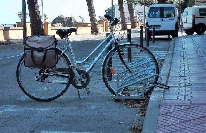 Proposta de GdC per canviar els models d'aparcaments de bicicletes
