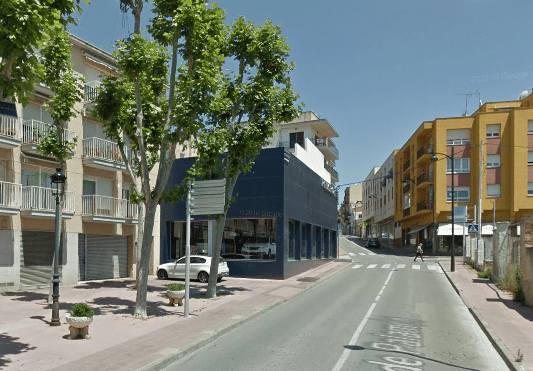 Asfalten diversos trams de la carretera de Palamós, a Sant Feliu