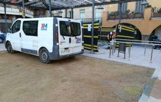 Comença la pavimentació de la plaça del Mercat de Sant Feliu