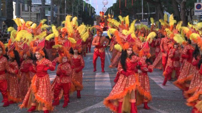 """Platja d'Aro crea la """"Champions"""" de les carrosses de carnaval"""