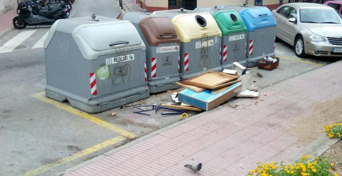 Multes per deixalles fora de contenidors a Sant Feliu