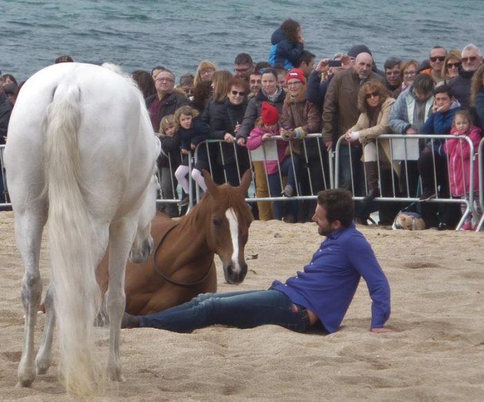 Galopant a la platja de Sant Feliu