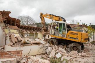 Inicien l'enderroc de l'antiga escola Vall d'Aro per construir-hi el nou centre cívic